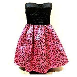 Pink & Black Strapless Abbey Dawn Dress
